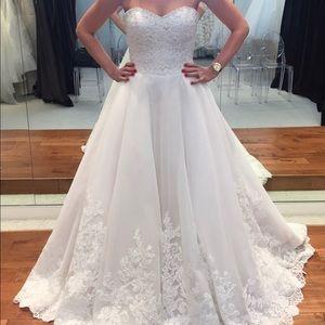 Mari Lee by Madeline Gardner bridal dress